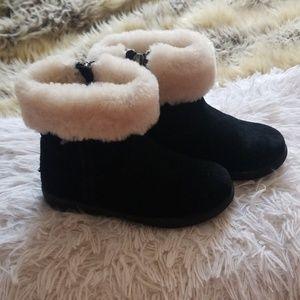 f63abfdea6f Kids White Ugg Boots on Poshmark
